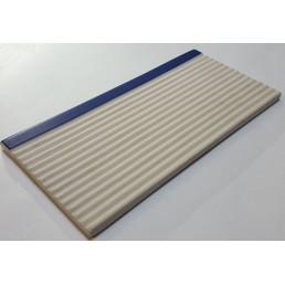 Плитка рифлённая с очерченным синим краем Vitra Arkitekt Pool керамогранит не глазурованный. Поверхность матовая ребристая R12. Водопоглощение 0.5% размер 12.5х25