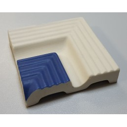 Внутренний угловой элемент рукохвата Vitra Arkitekt Pool поверхность матовая, ребристая. Край рукохвата синий RAL 5002 матовый. Водопоглощение 0.5% размер 97х97х20